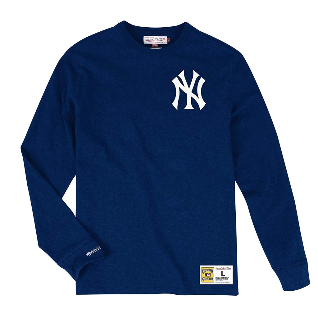 Mitchell & Ness New York Yankees MLB Men's Win Streak Long Sleeve Shirt